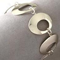 Graduated Sterling Silver Oval iLnk Bracelet