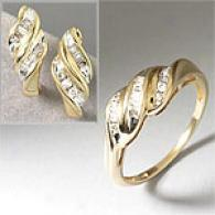 Mattching Yellow Gold & Diamond Ring & Earring Set