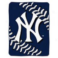 New York Yankees 60in X 80in Baseball Throw