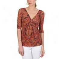 Sweet Pea Parfay Fire Mesh V-neck Top