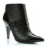 Via Spiga Regal Quilted Leather Ankle Bkot