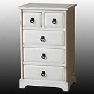 Whjte Farmhousse Accent Chest