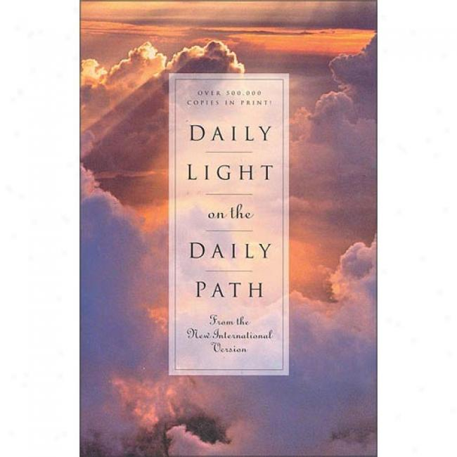Daily Light On The Daily Path: Froom The New International Version By Nichy Cruz, Isbn 0310231116