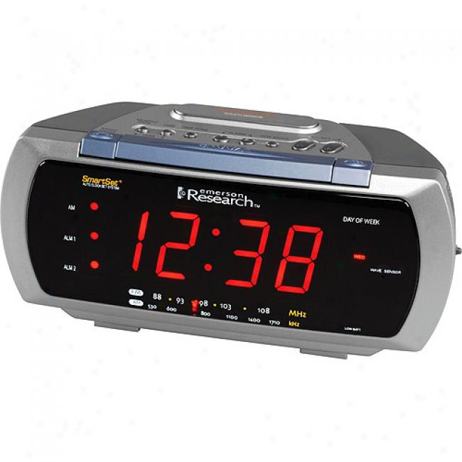 Emerson Smartset Clock Radio W/ Lamp Control