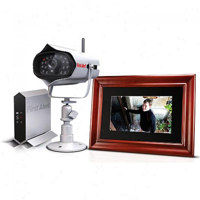 First Alert Digital Wireless Camera And Poto Frame