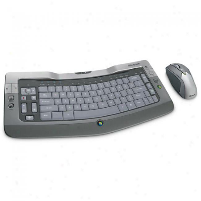 Microsoft Wireless Bluetooth Entertainment Desktop 8000 Keyboard & Mouse Combo