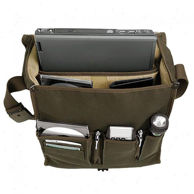 Solo Urban Collection Vertical Messenger, Olive