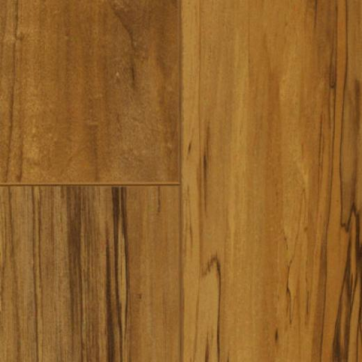 Wilsonart Styles Plank 5 Tapestry Maple Laminate Flooring
