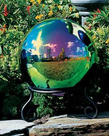 Mustic Gazing Globe