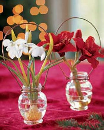 Snowdrop Vase Ornament
