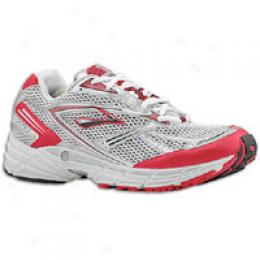 Brooks Men's Axiom 3