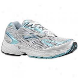Brooks Women's Axiom 3