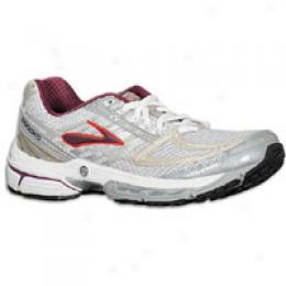 Brooks Women's Infiniti 2