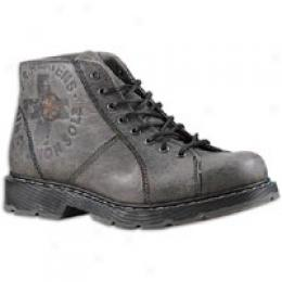 Dr. Martens Men's Arlen 8 Eye Lace To Toe Chukka