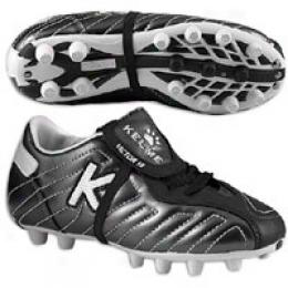 Kelme Big Kids Victor 18r