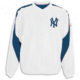 Majestic Men's Pickoff Cooperstown Pullover Jacket