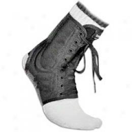 Mcdavid Lightweight Ankle Brace