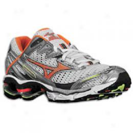 Mizuno Women's W Wave Crwation 10
