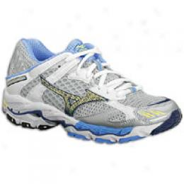 Mizuno Women's Wave Nirvana 4