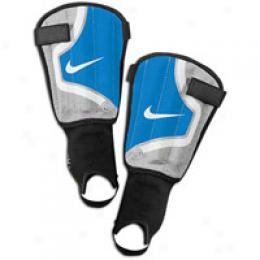Nike Big Kids T90 Tri-shield