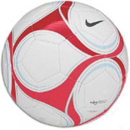 Nike First2 Fierce Soccerball