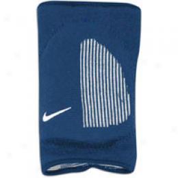 Nike Fitdry Skinny Knee Pad