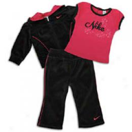Nike Infants 3 Piece Set