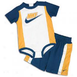 Nike Infants Bodysuite Set