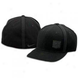 Nike L23 Fitted Hat