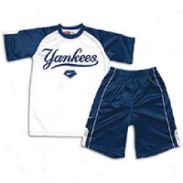 Nike Little Kids Tee And Shorts Set
