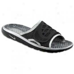 Nike Men's Air Rejuven8 Slide