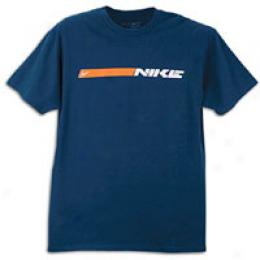 Nike Men's Clean & Mean Stripe Tee