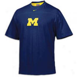 Nike Men's College Structered Tackle Tee