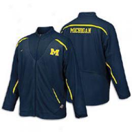 Nike Men's Conference Half Back Nikefit Jacket