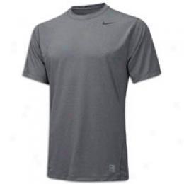 Nike Men's Pro Core Short Sleeve Loose Company