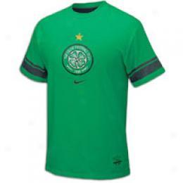 Nike Men's S/s Soccer Club Crest Tee