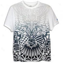 Nike Men's Beat of drum Stamp Tee