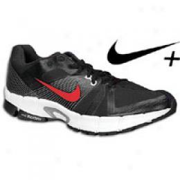 Nike Men's Zoom Victory +