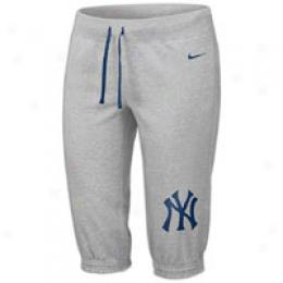 Nike Mlb Fleece Shorts - Women's