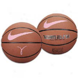Nike Teqm Elite All Courts