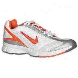 Nike Women's Air Track Star