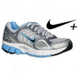Nike Women's Air Zoom Vomero + 3