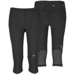Nike Women's Core Tech Capri