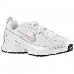 Nike Women's Dart Vi Leather
