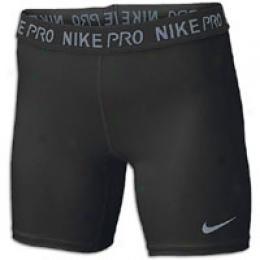 Nike Women's Pro Core 5