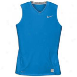 Nike Women's Pro Fitted Slvls Top