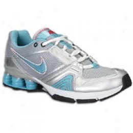Nike Women's Shox Dedifate Trainer