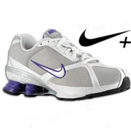 Nike Women's Shox Navina + 2