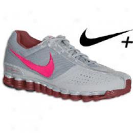 Nike Women's Shox Saya +