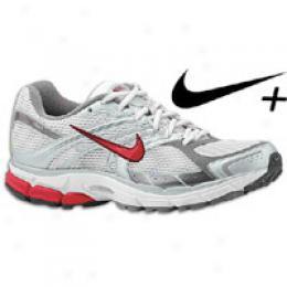 Nike Women's Zoom Structure Triax + 11